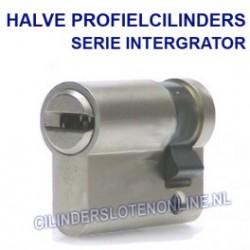 Halve cilinder serie integrator